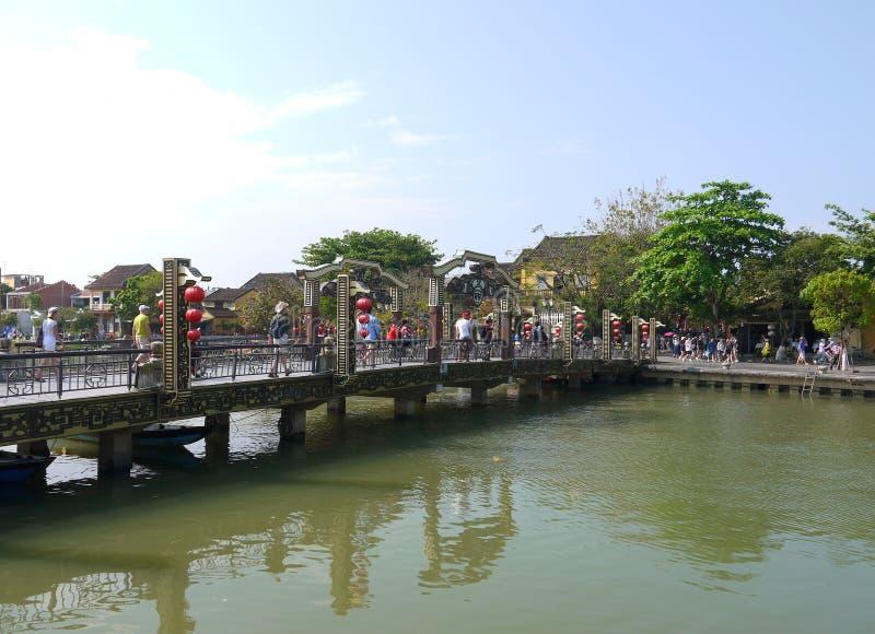 La mañana hermosa temprana del puente famoso de Hoi An fotos de archivo libres de regalías