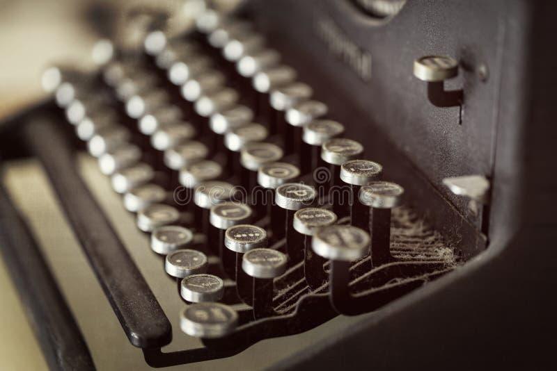 La machine à écrire de vintage verrouille le foyer sélectif photos stock