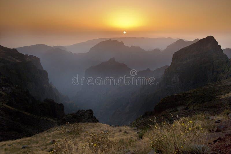 La Madère - le Pico faites Arieiro - coucher du soleil photo libre de droits