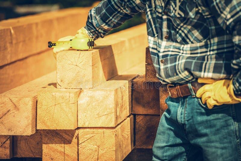 La madera emite el material fotografía de archivo libre de regalías