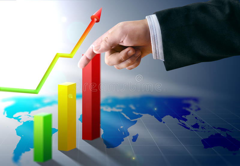 La main d'homme d'affaires avec des finances encaisse l'économie image stock