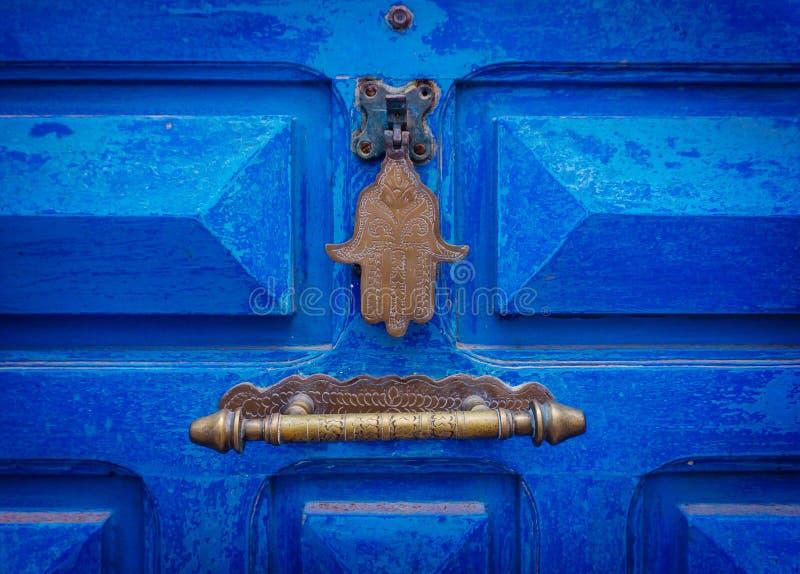 La main de l'amulette de Fatima ou de Hamsa ou le Miriams remettent la main de Miriam Amulette populaire dans l'ensemble du Moyen images stock