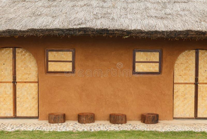 La maison d'adobe la plus ancienne photo libre de droits