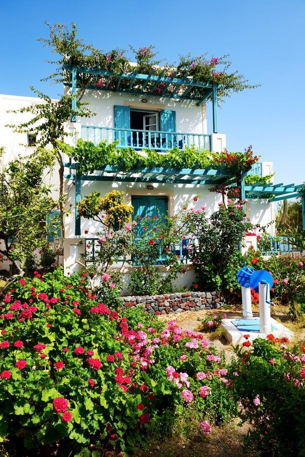 Download La Maison Dans Le Style Grec Traditionnel Photo stock - Image du luxe, luxueux: 45350438