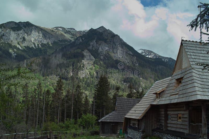 La maison de la montagne image stock