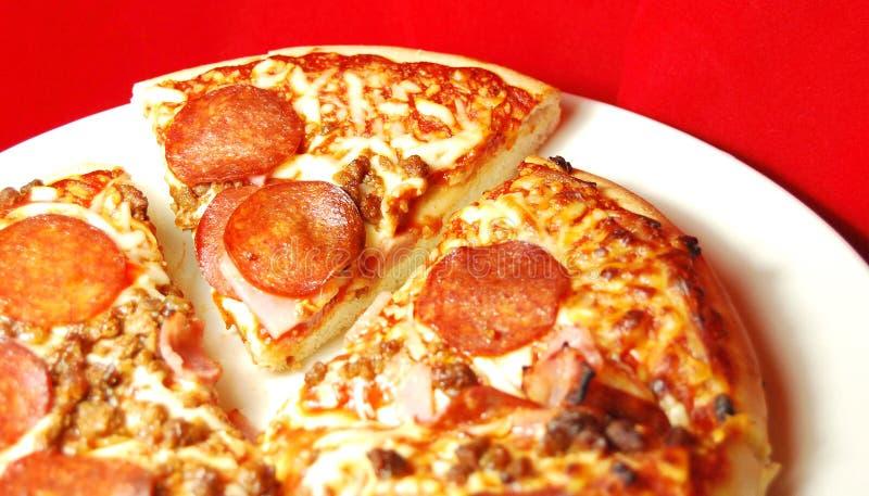 La maison a effectué la pizza photographie stock libre de droits