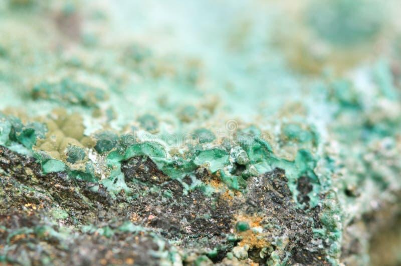 La malachite est un minerai de cuivre d'hydroxyde de carbonate image libre de droits