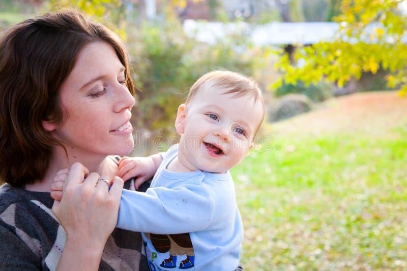 ¡La mamá es diversión! fotos de archivo libres de regalías