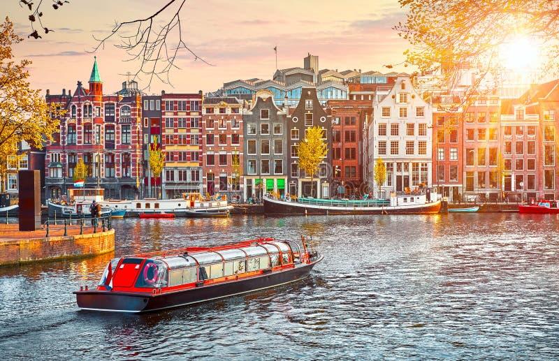 La Manche à Amsterdam Pays-Bas loge la rivière Amstel photo stock