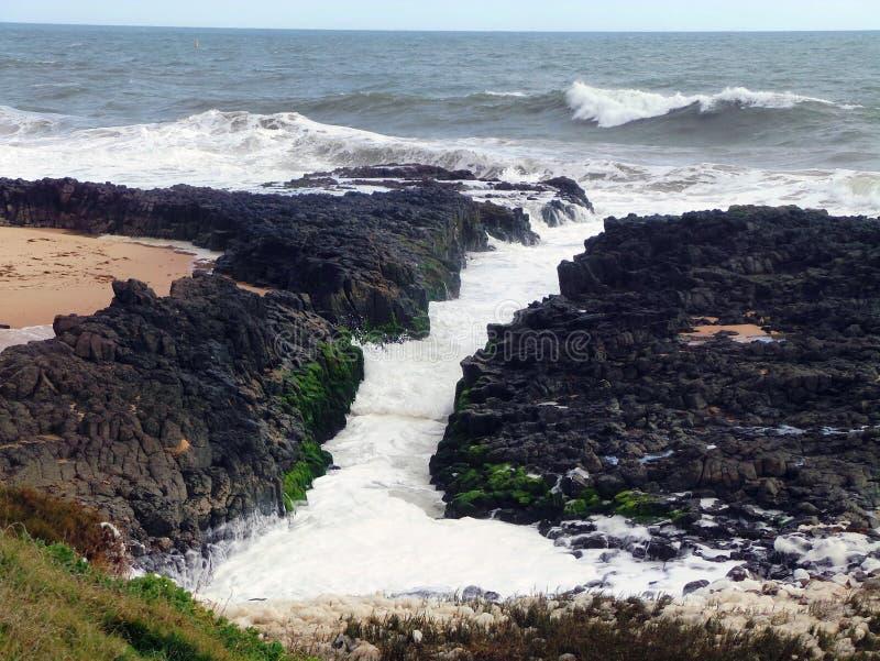 La Manche de roche de basalte, Bunbury, Australie occidentale photos libres de droits