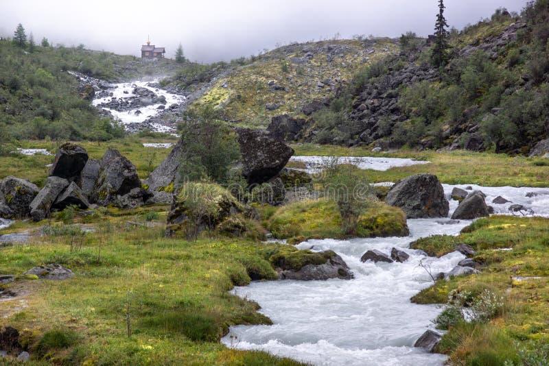 La manière à la montagne de Belukha image libre de droits