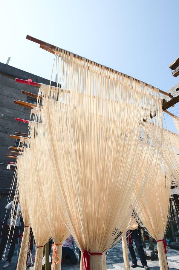 La manière traditionnelle de sécher la farine fine à Taïwan photos stock