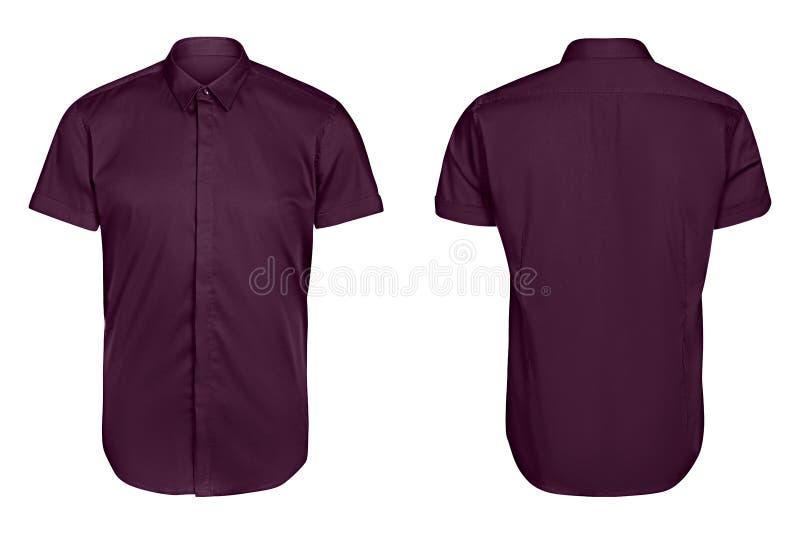 La manica viola di short della camicia degli uomini classici ha isolato il fondo bianco fotografie stock