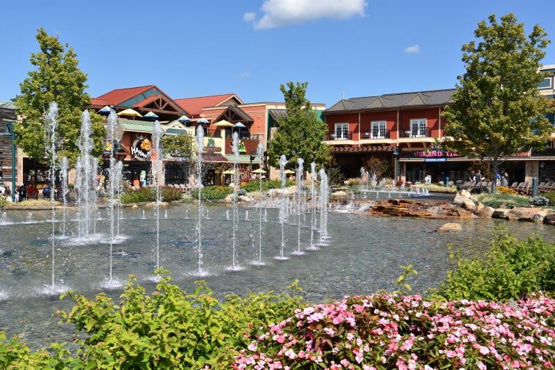 La manifestazione della fontana all'isola in Pigeon Forge, Tennessee fotografia stock