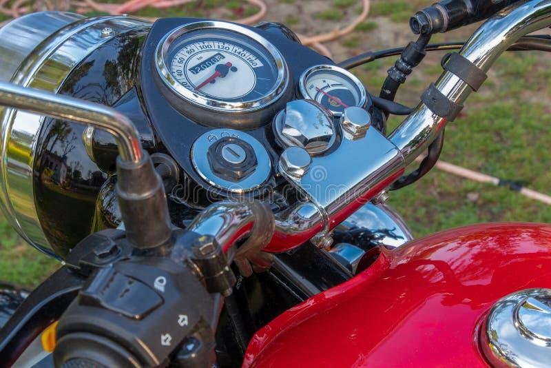 La manija delantera de la bici moderna controla la visi?n a?rea imágenes de archivo libres de regalías