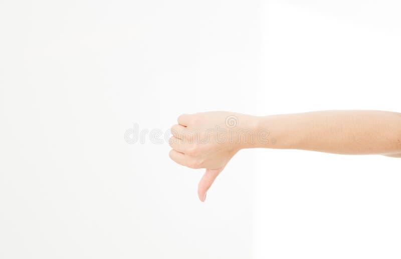 La mano de la mano de la demostración de la mujer es gesto desemejante aislada en el fondo blanco imagen de archivo libre de regalías