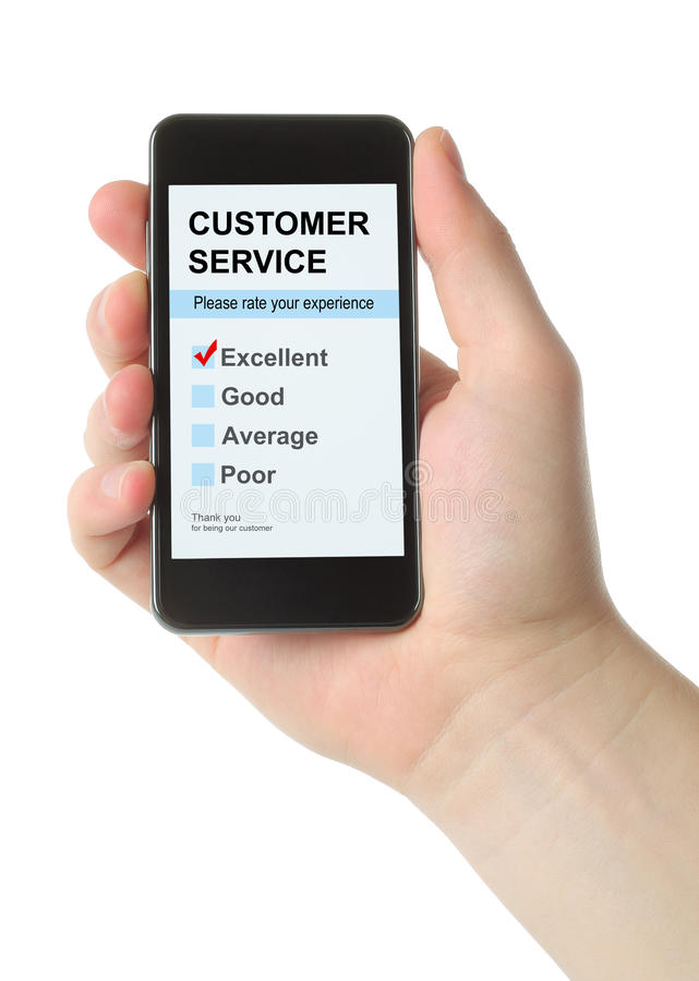 La mano dell'uomo tiene lo Smart Phone con l'indagine della soddisfazione di servizio di assistenza al cliente fotografia stock libera da diritti