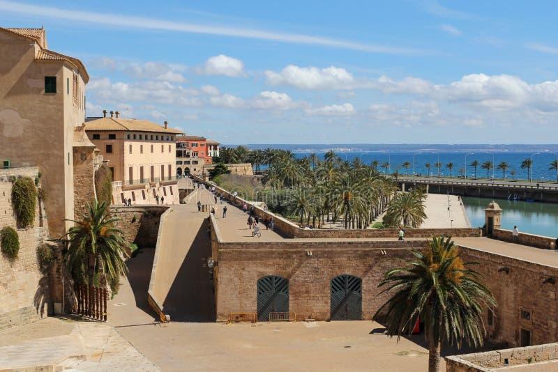 La março do beira-mar e do Parc de em Palma de Mallorca, Majorca, Espanha fotografia de stock
