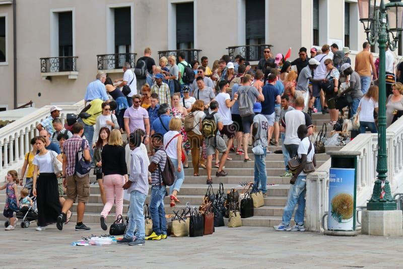 La marca de gama alta falsa de la moda empaqueta en Venecia, Italia imágenes de archivo libres de regalías
