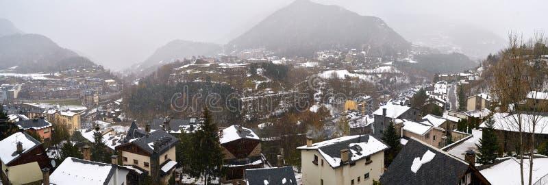 La Massana, Andorra, im Winter stockbild
