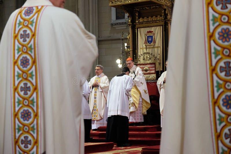 La masse de Pâques dans la cathédrale de Zagreb image libre de droits