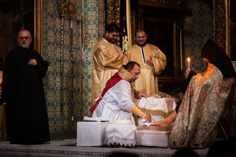 La masse orthodoxe arménienne à Jérusalem image stock