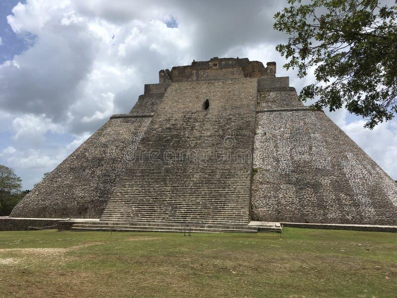 La Maya de Uxmal arruina la pirámide del mago imagenes de archivo