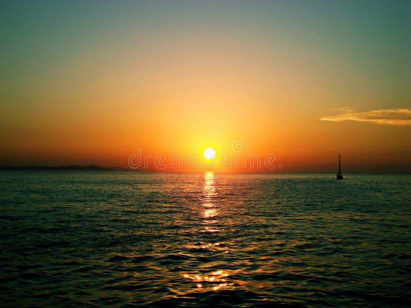 La mayoría de la puesta del sol hermosa foto de archivo
