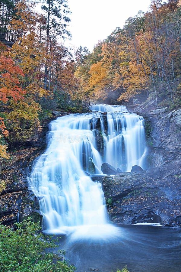 La mayor?a de la cascada hermosa en el mundo fotografía de archivo