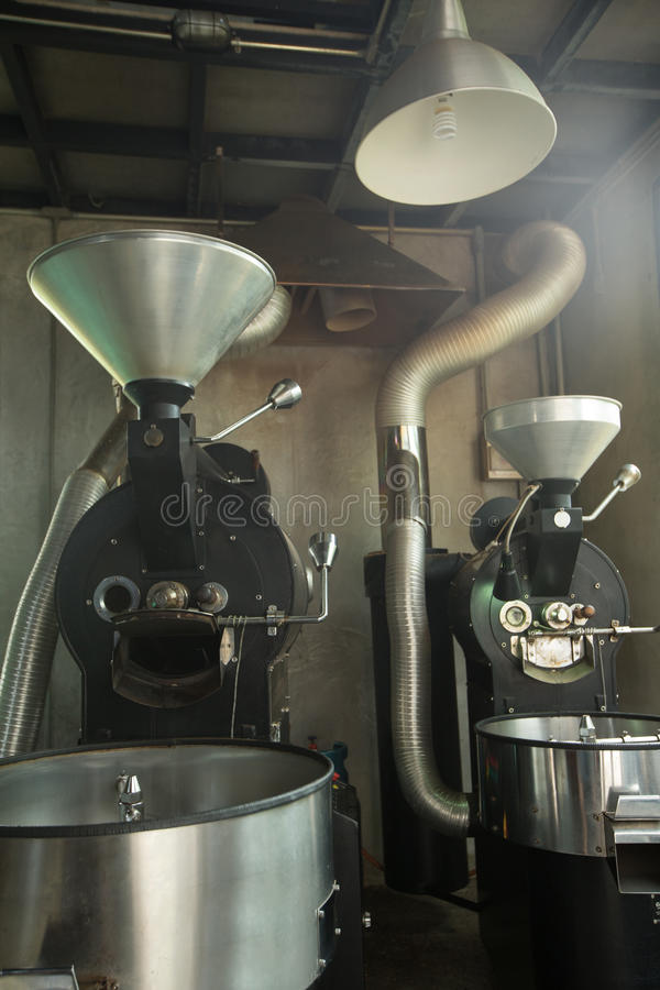La meilleure machine professionnelle de torréfaction de café pour le café b de torréfaction photos libres de droits