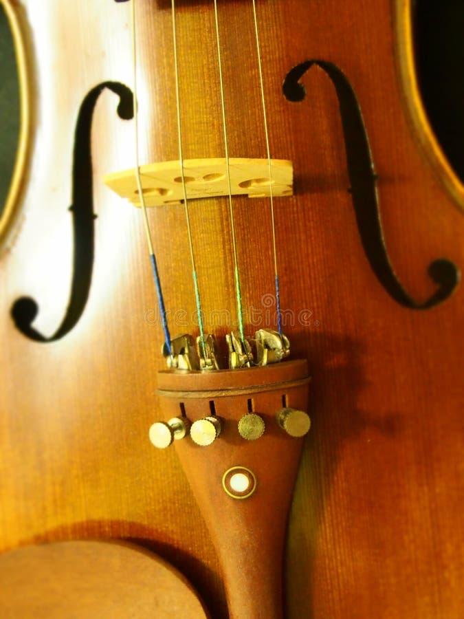 La melodía y la secuencia del agujero de sonidos del violín del instrumento del violín 4/4 del concierto inspiran fotografía de archivo libre de regalías