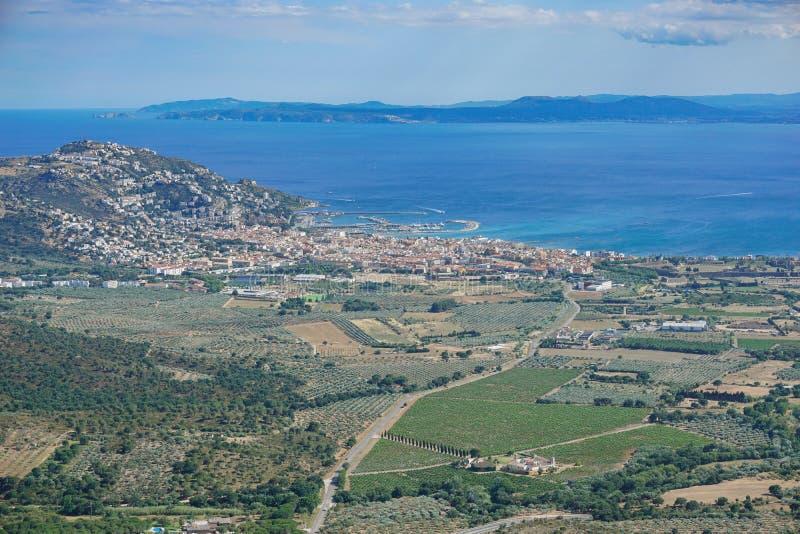 La mer Méditerranée Costa Brava de roses de ville de l'Espagne photographie stock