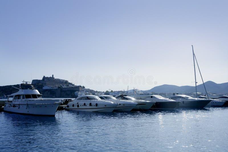 la mer Méditerranée de borne limite d'île d'ibiza photos libres de droits