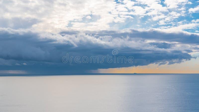 La mer Méditerranée, panorama photos stock