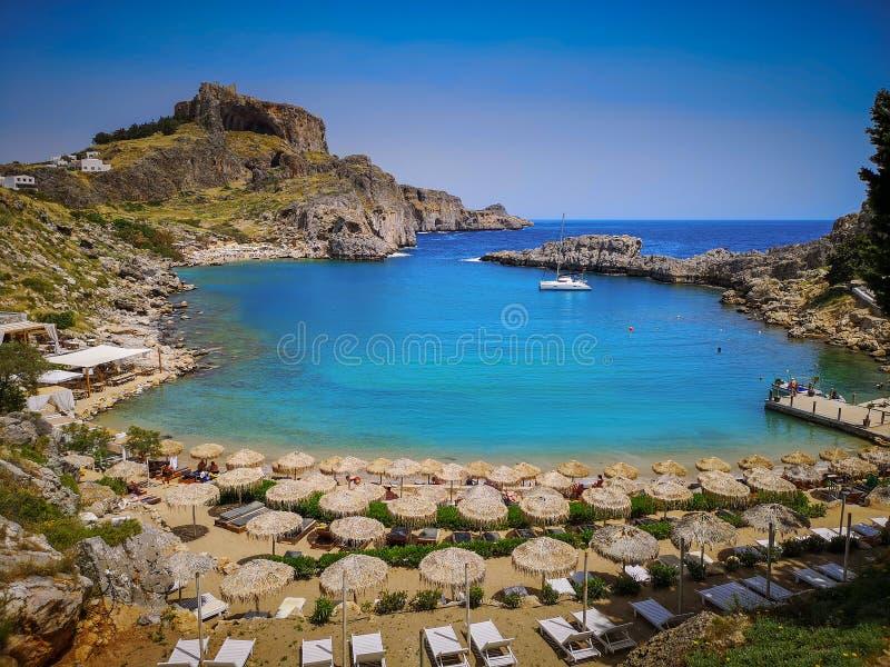 La mer magique de cette ?le une destination finale pour des vacances dans le village historique image stock