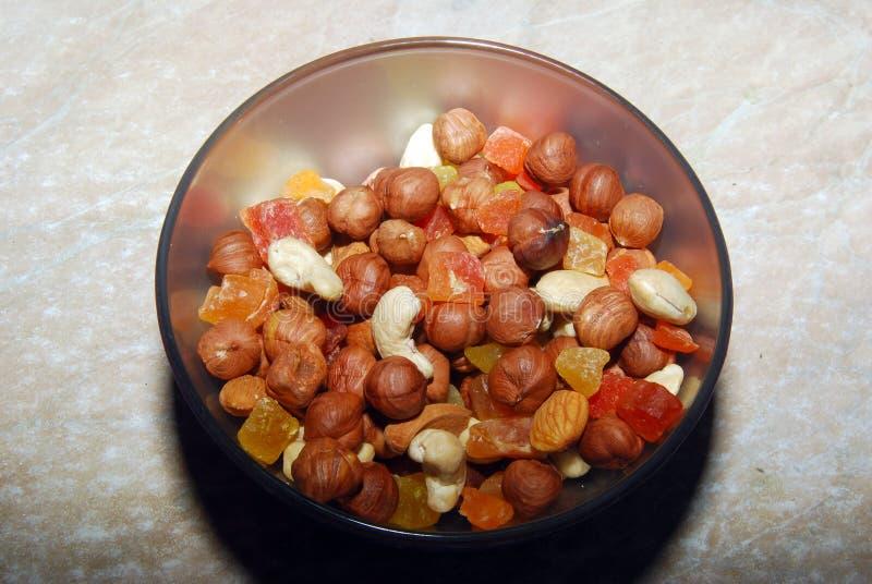 La mezcla de nueces y de la fruta escarchada foto de archivo libre de regalías