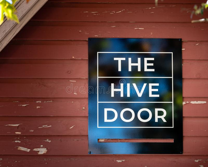 La miel en venta en una pequeña tienda del boutique llamó la puerta de la colmena en el baño de Medlow, montañas azules, Australi fotografía de archivo libre de regalías