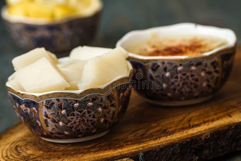 La minestra di Arabasi, pollo ha basato la minestra dalla cucina turca immagini stock