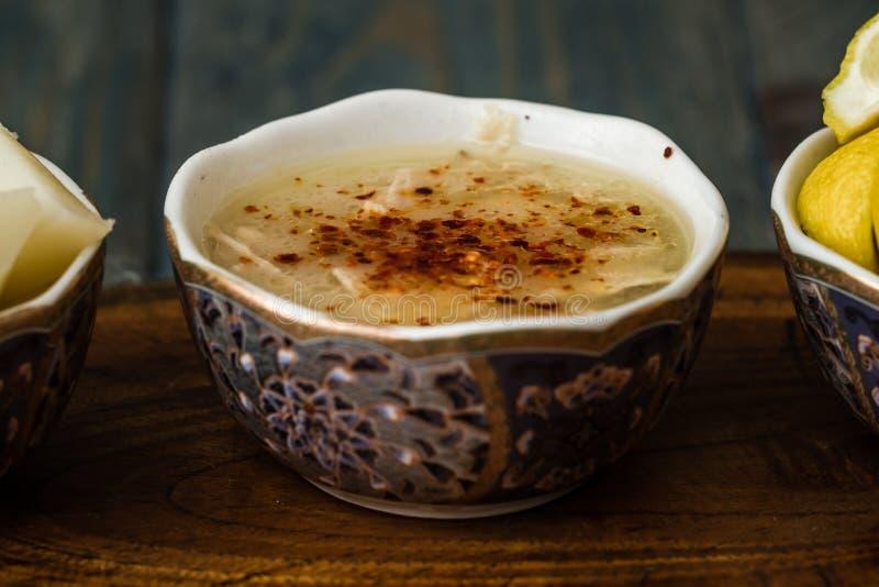 La minestra di Arabasi, pollo ha basato la minestra dalla cucina turca fotografia stock