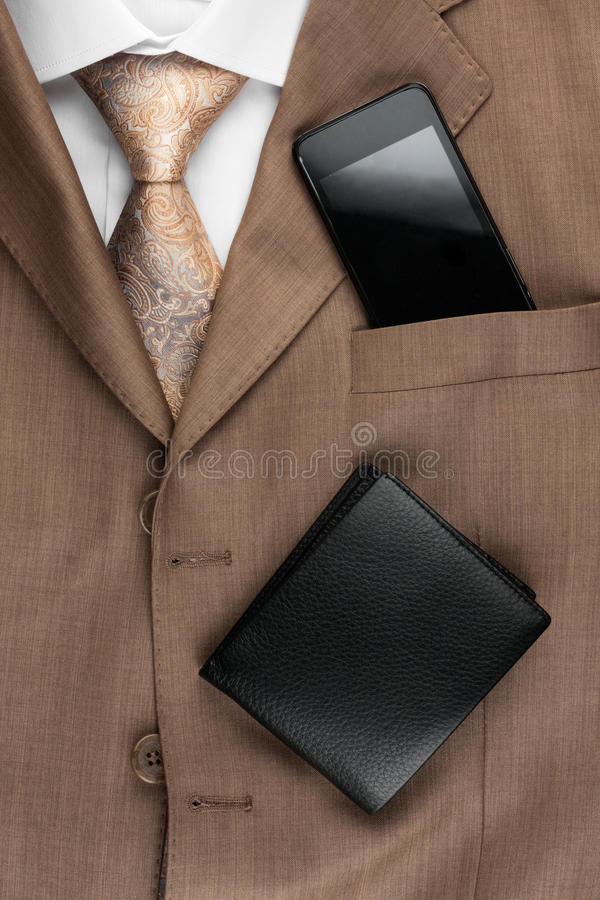 La moda de los hombres clásicos del estilo, lazo, camisa, teléfono fotos de archivo