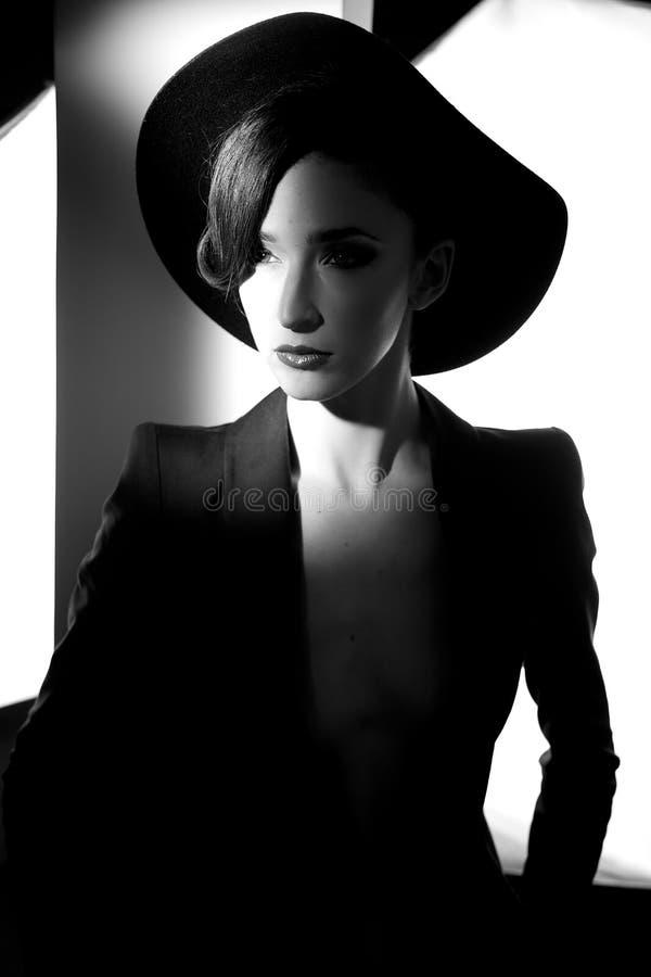 La mode est noire et blanche photo libre de droits