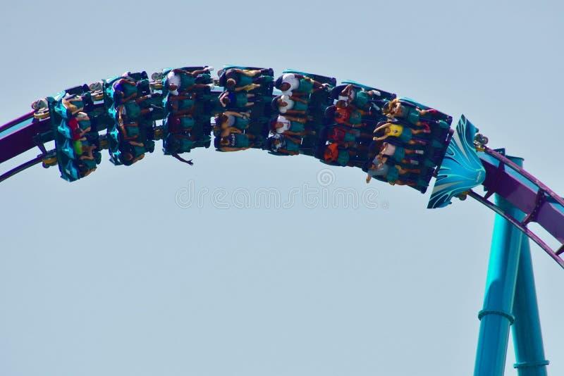 La montaña rusa más rápida del Mako en Seaworld en área internacional de la impulsión, Orlando, la Florida foto de archivo