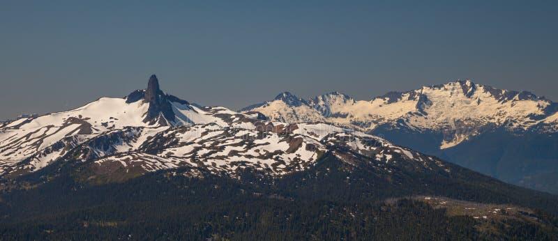 La montagna nera vicino a Whistler, Columbia Britannica della zanna immagini stock