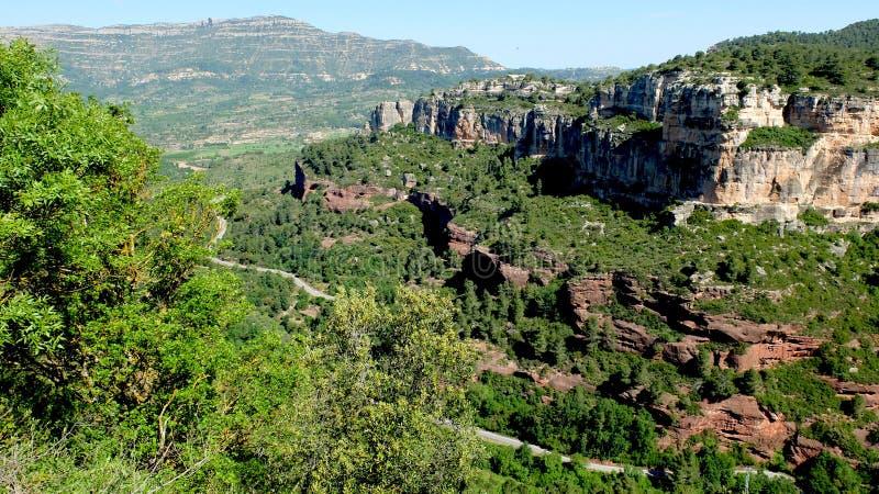 La montagne et la route photo libre de droits