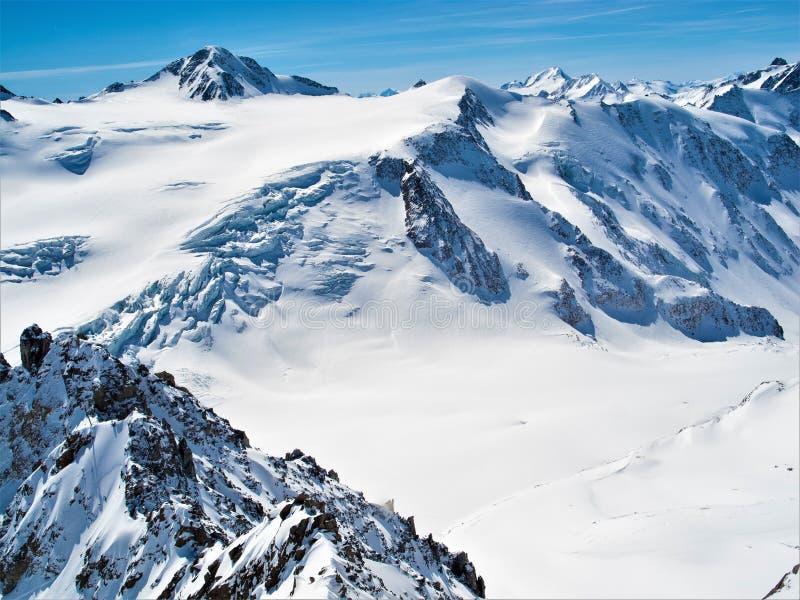 La montagne la plus grande au Tyrol, le Ã-tztaler Wildspitze, 3786 mètres photos stock