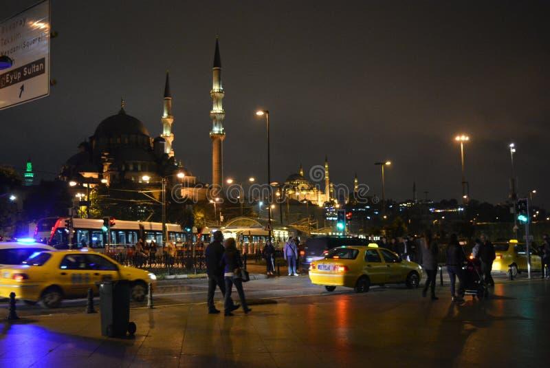 La mosquée de Suleymaniye, égalisant le détroit d'Istanbul de ville du Bosphore photographie stock libre de droits