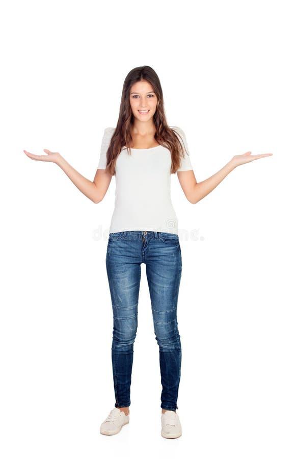 La muchacha casual joven con los brazos hacia fuera extendió imagen de archivo libre de regalías