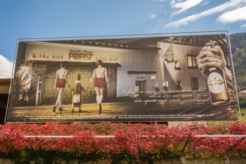 La muestra de publicidad de la tienda famosa del birreria imágenes de archivo libres de regalías