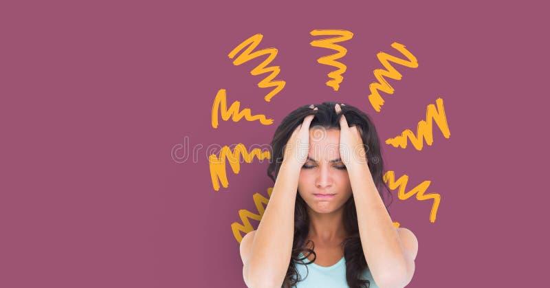 La mujer ansiosa subrayada del dolor de cabeza con amarillo garabatea en fondo púrpura imágenes de archivo libres de regalías