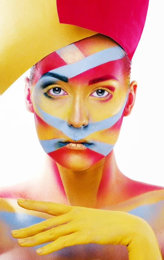 La mujer con geometría creativa compone, rojo, amarillo, sonrisa azul del primer coloreada fotos de archivo